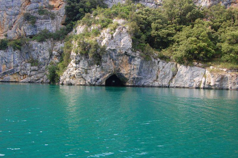 Loisirs aventures kayak quinson camping les olivettes for Camping au bord du lac de sainte croix avec piscine